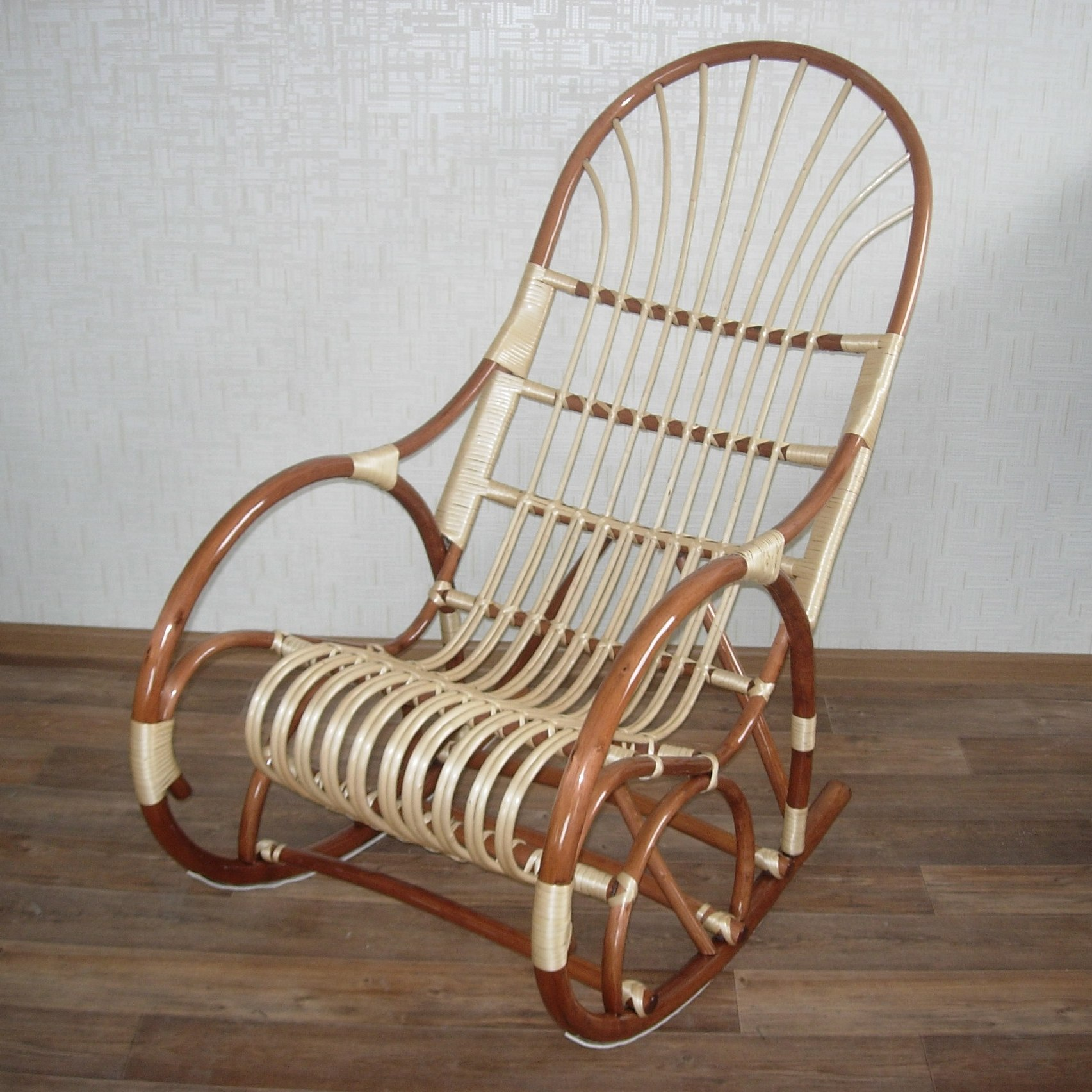 Кресла качалка своими руками из лозы 38